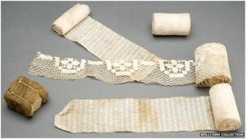 Above image, courtesy of the Wellcome Institute shows typical World War One dressings. The dressing in the bottom left hand corner is made from sphagnum moss.