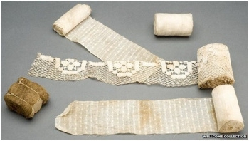 Typical World War One dressings. The dressing in the bottom left hand corner is made from sphagnum moss. (Courtesy of the Wellcome Institute)