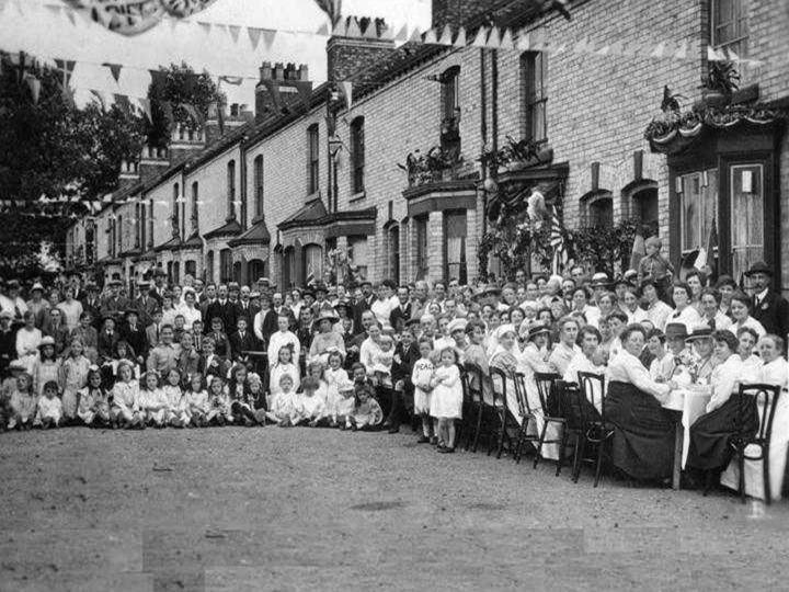 Thorpe Street Party end of WW1